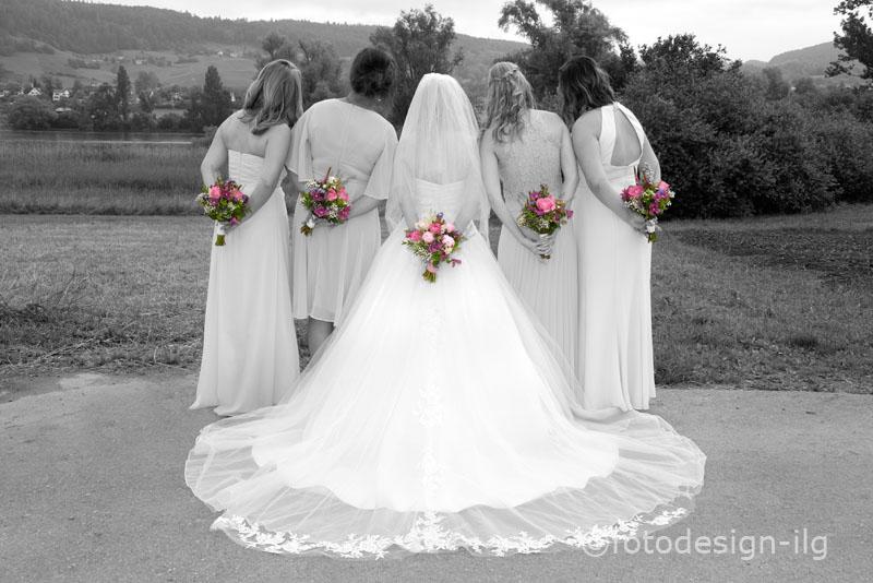 brautpaarfoto_schwarz-weiss_ilg_bridesmades_foto