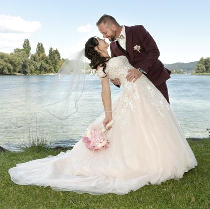 Brautpaarfoto am See